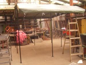 Szerkezetlakatos - Árusító sátor és piaci asztal (puska) készítés