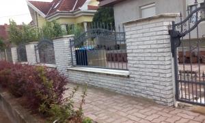 Szerkezetlakatos - Kovácsoltvas korlátok és kovácsoltvas kerítések